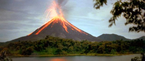 tourist-attractions-of-costa-rica-arenal-700